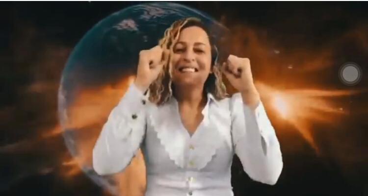 Tatiana Milanez, referência em Interpretação de Libras.