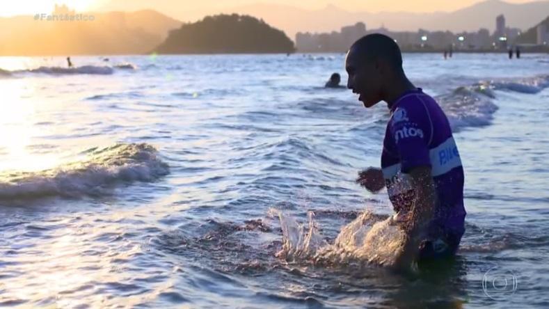 Santos (SP) inaugura primeira escola pública de surf para pessoas com deficiência