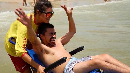 Florianópolis passa a contar com nove praias acessíveis para pessoas com deficiência