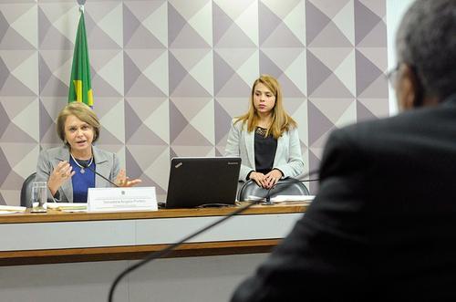 Redução da jornada de trabalhador com filho deficiente é aprovada na Comissâo de Direitos Humanos